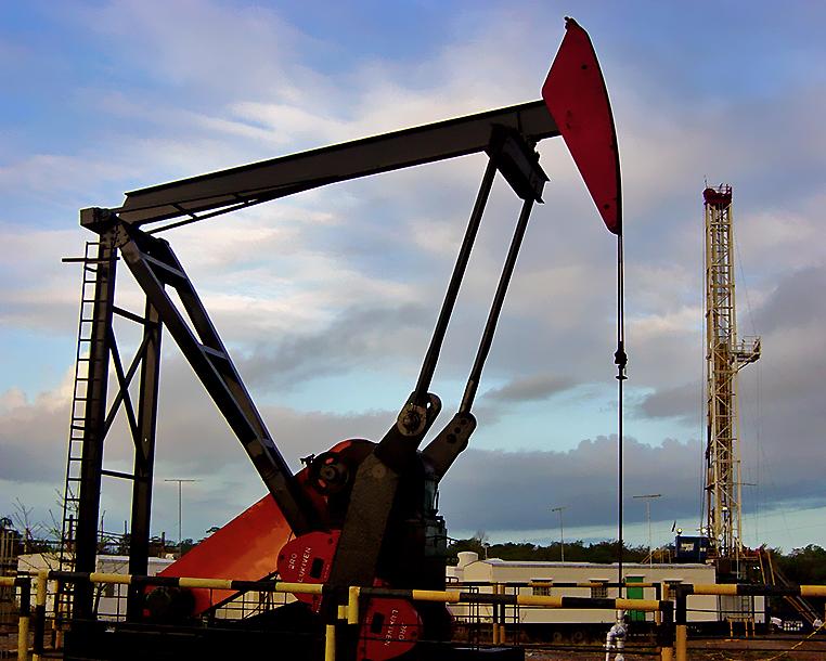 """El """"coco"""" petrolero en la política económica"""