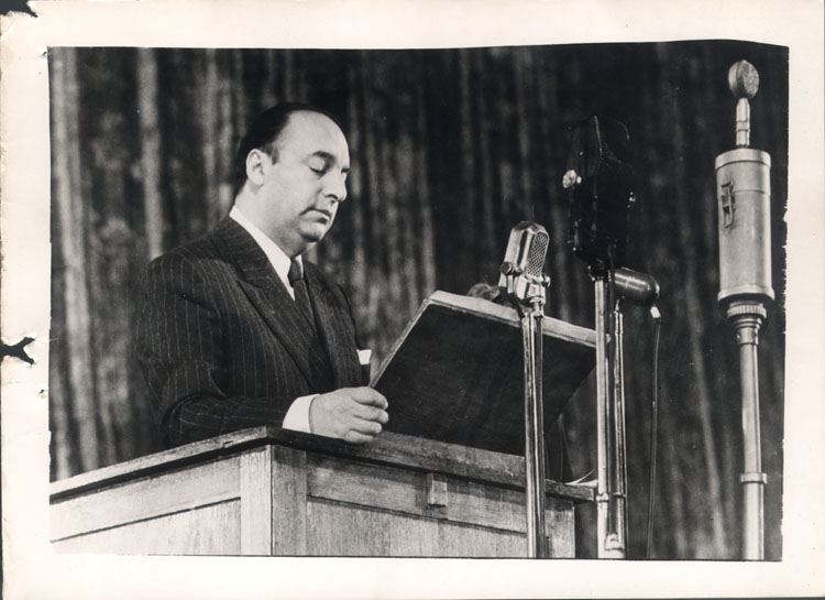 """Poema """"El pueblo"""" de Pablo Neruda"""