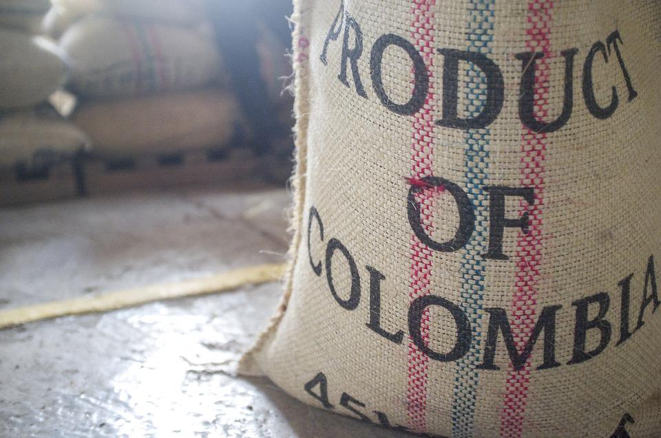 En estos sacos de empaca el café de Colombia, incluido el grano de Antioquia.