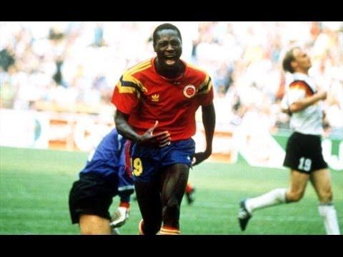 Fredy Rincón celebrando el histórico gol en Italia 90.