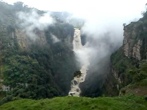 Río Bogotá a la altura del Salto del Tequendama.