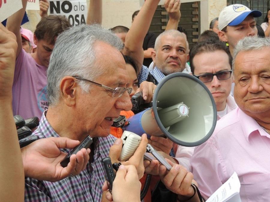 Guillermo Jaramillo, alcalde de Ibagué. La capital del Tolima  realizará la consulta popular sobre minería en sus territorios.